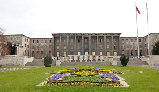 Yeni Anayasa'da İşçilere Kasko Müjdesi